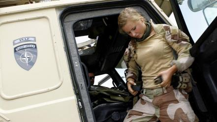 Jeep army girls patrol nato norwegian isaf Wallpaper