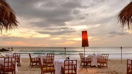 love-coast-beach-night-romantic-restaura