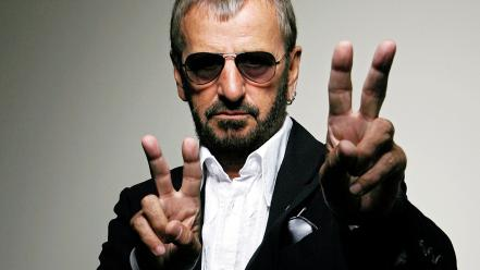 Ringo starr v sign men musicians sunglasses wallpaper