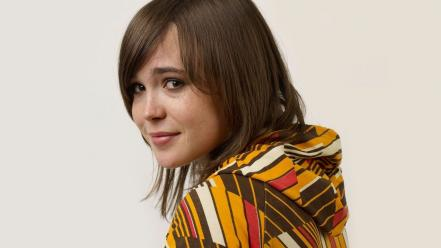 Women ellen page actress celebrity simple background wallpaper