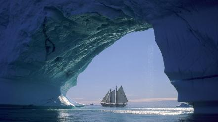 Boats icebergs seascapes greenland Wallpaper