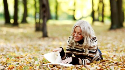 Trees leaves reading smiling sweater parks autumn wallpaper