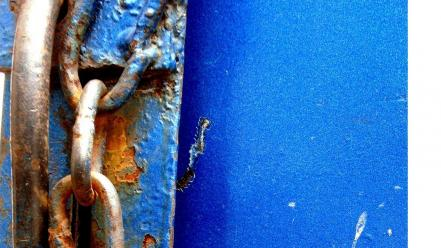 Abstract blue photographers street art chains locks india Wallpaper