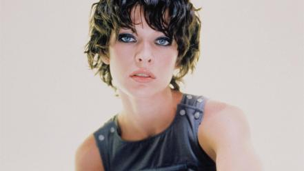Milla Jovovich Face wallpaper