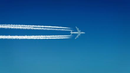 Aircraft contrails boeing 747 skies Wallpaper