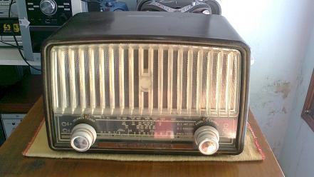 Old radio antique wallpaper