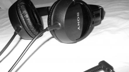 Headphones black and white music sony sound blank wallpaper
