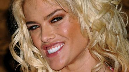 Anna nicole smith face Wallpaper