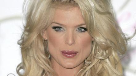 Victoria Silvstedt Face wallpaper