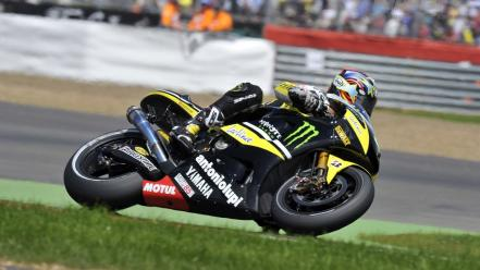 Yamaha moto gp 2010 monster tech 3 wallpaper