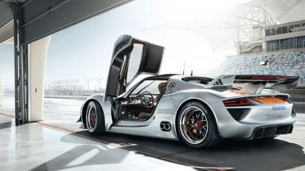 Porsche 918 roadster wallpaper