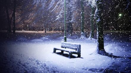 Snowing park wallpaper