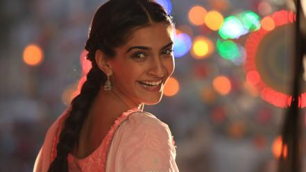 Bollywood actress sonam kapoor celebrity wallpaper
