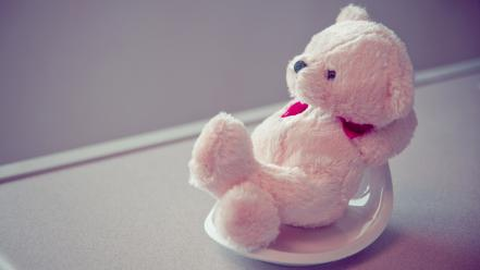 Cute pink teddy bear Wallpaper