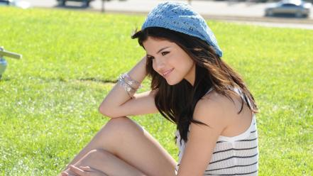 Selena gomez cute wallpaper