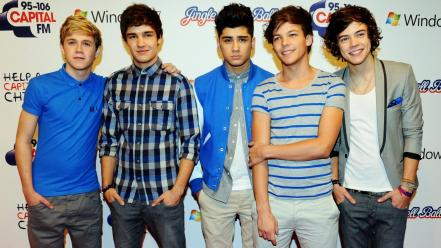 2013 one direction Wallpaper