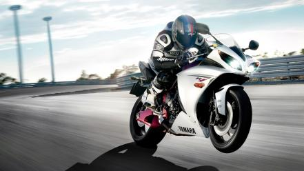 Yamaha r1 white Wallpaper