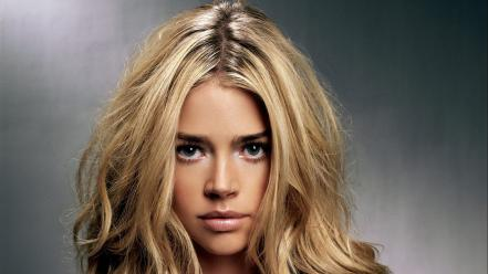 Blondes women denise richards wallpaper