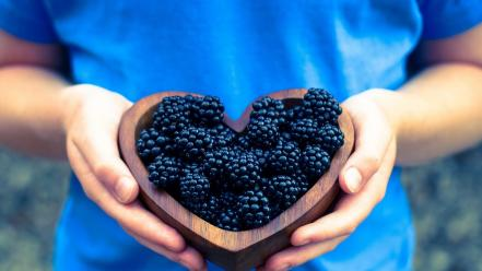 Blackberries blue shirt bowls fruits hearts wallpaper