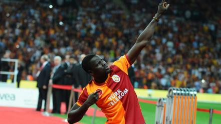 Emmanuel eboue galatasaray sk hell tt arena wallpaper