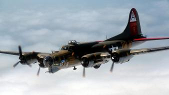 B 17 Flying Fortress wallpaper