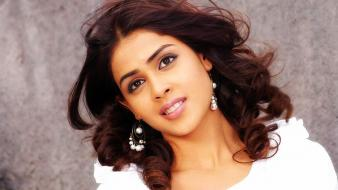 Fairy Genelia Screen Wallpaper