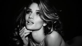 Rosie Huntington Whiteley Hd wallpaper
