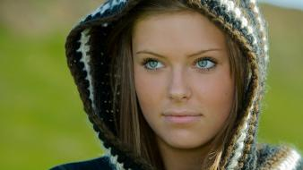Brunettes depth of field faces green eyes hoodies wallpaper
