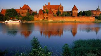 Malbork castle poland wallpaper