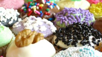 Donuts fat food multicolor sprinkles wallpaper