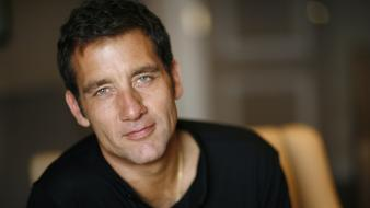 Clive owen actors heterochromia men wallpaper