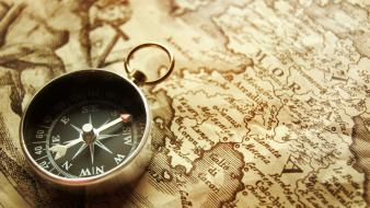 Compasses old map time Wallpaper