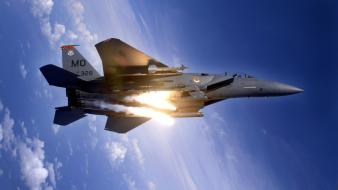 F 15e Strike Eagle Pops Flares wallpaper