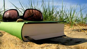 Beaches books grass holidays reading wallpaper
