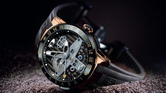 El toro ulysse nardin black background gold watches Wallpaper