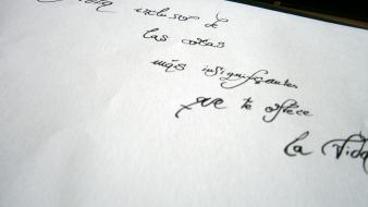 Spanish calligraphy letter little things wallpaper