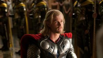 Chris hemsworth mjolnir thor movie kneeling Wallpaper