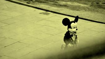 London mickey mouse cartoons street art Wallpaper