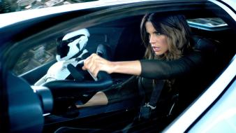 Actress kate beckinsale celebrity driving total recall wallpaper