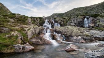 Grass hills wilde pebbles rivers skyscapes view wallpaper