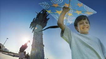 Kite izmir, turkey monumental cities blue skies Wallpaper