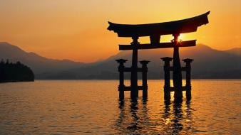 Water japan floating silhouette sunlight torii itsukushima shrine wallpaper