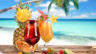 Beach drinks wallpaper
