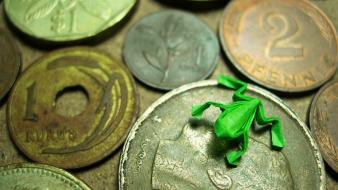 Japan origami coins money frogs wallpaper
