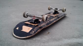 Skateboarding skateboards Wallpaper