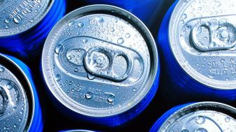 Water macro soda cans wallpaper