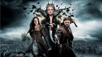 Chris hemsworth snow white and the huntsman Wallpaper