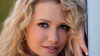 Desire magazine faces natural lighting mia malkova wallpaper