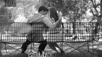 Black and white kissing bench lovers parks wallpaper