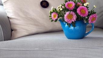 Couch flowers flowerpot wallpaper